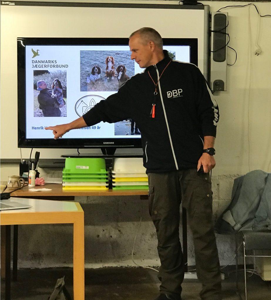 朝から夕方まで、実技や動画、パワーポイントデータで講義をしていただきました。